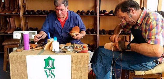 Vitorino e Simão Calçado Artesanal